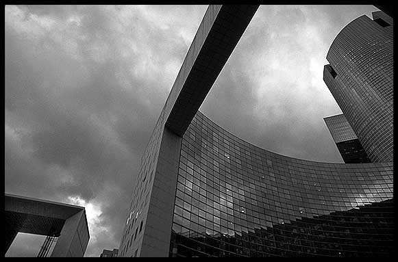 Paris la defense black and white photography bw fotografía en blanco y negro paris blanc et noir foto blanc et noir foto schwarz und weiss photo